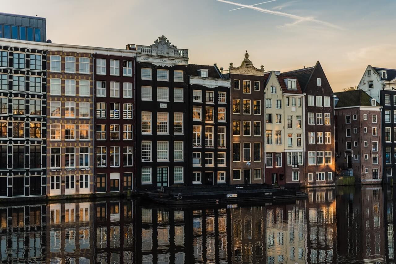 תכנון חופשה באמסטרדם: עיר חטאים או עיר היסטורית
