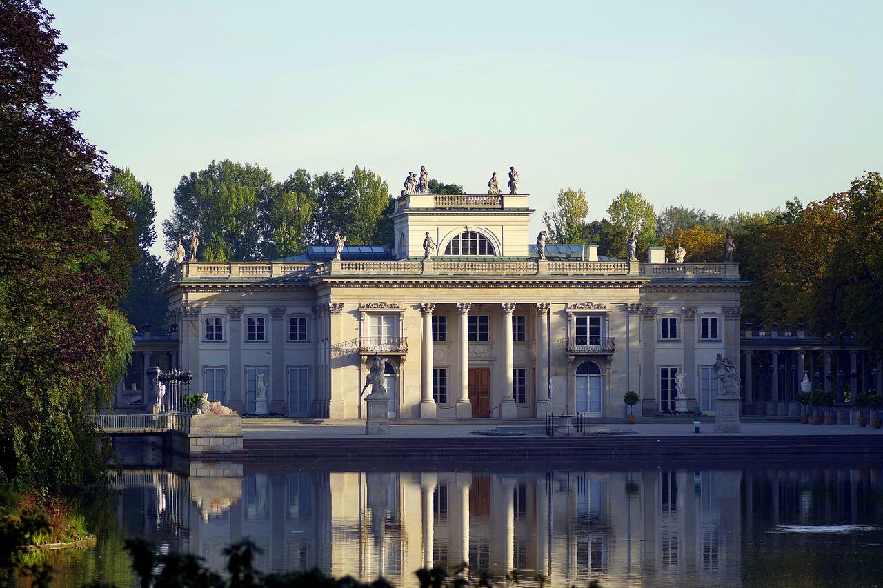 טיול לפולין - טיול בעיר הותיקה של ורשה